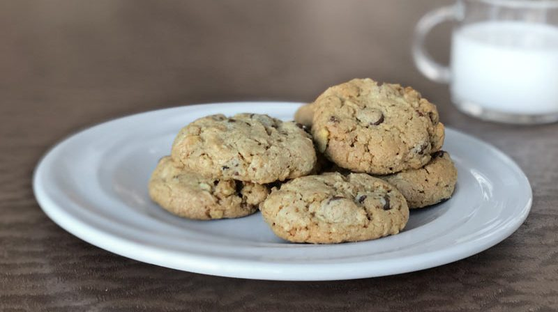 The Best Chocolate Chip Oatmeal Cookies Recipe